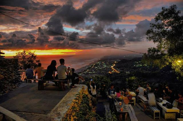 Tempat Wisata Sunset Bukit Paralayang Watugupit