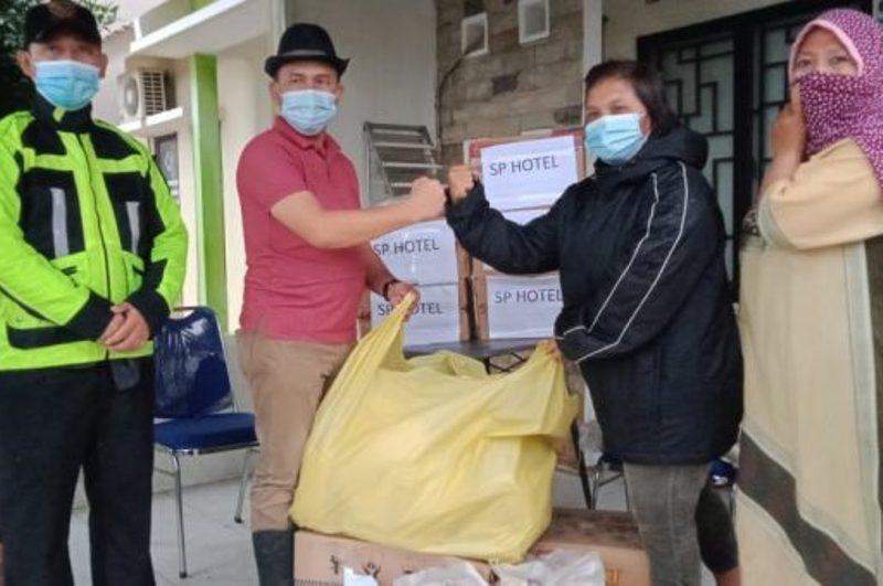 Pemko Batam Serahkan Langsung Bantuan dari Pelaku Pariwisata untuk Warga GNC