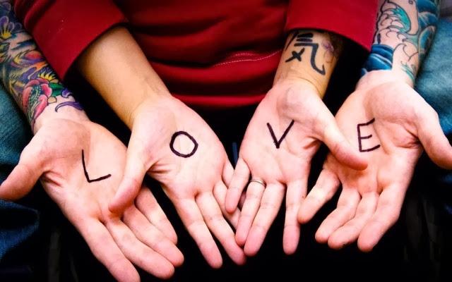 http://1.bp.blogspot.com/-NtC1SG14R5w/Ur7mkRJs8jI/AAAAAAAAAFQ/aC6gkMwV3iI/s1600/love-couple-wallpaper-640x400.jpg