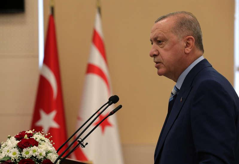 """Ερντογάν: Η Τουρκία δεν θα γίνει η """"αποθήκη"""" της Ευρώπης για πρόσφυγες"""