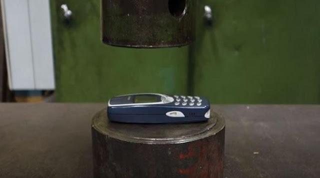 عجائب الدنيا وهل تعلم - تحدي نوكيا 3310 أمام آلة الضغط