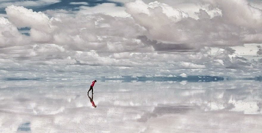 10. Salar De Uyuni in Southwest Bolivia - 29 Unbelievable Locations That Look Like They're Located On Another Planet