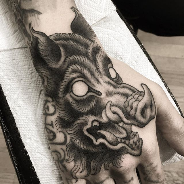 traditional american pig tattoo