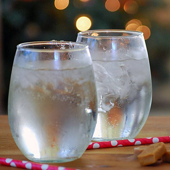 Refreshing White Wine Spritzer #MingleNMix