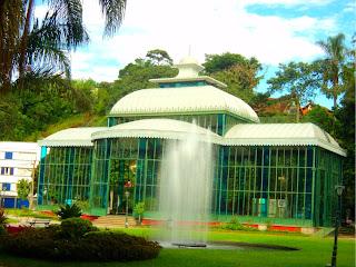 Chafariz em frente ao Palácio de Cristal, em Petrópolis