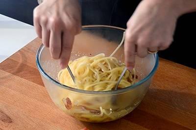 Spaghetti alla carbonara 6