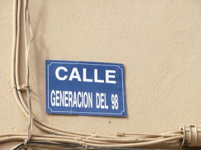 Placa con el nombre de la calle Generación del 98