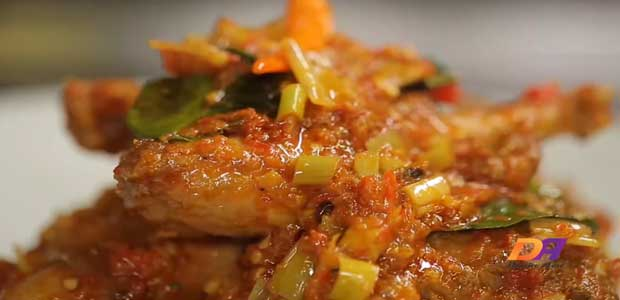 Salah satu bahan makanan yang paling digemari hampir semua kalangan adalah Ayam 5 Resep Aneka Olahan Daging Ayam Untuk Menu Harian Keluarga