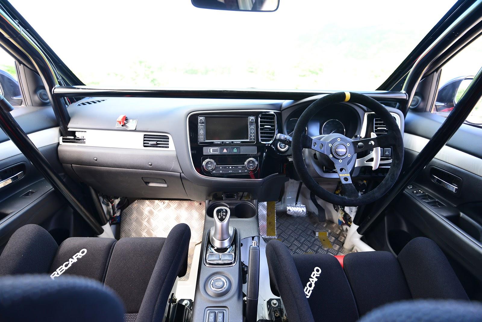 029 Η Mitsubishi συμμετέχει σε χωμάτινο αγώνα 500Km με το plug-in υβριδικό Outlander PHEV