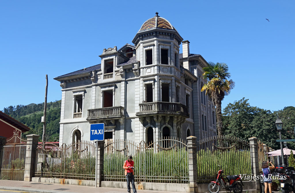 Casa de Pedro Sarmiento, Cangas de Onís, Asturias
