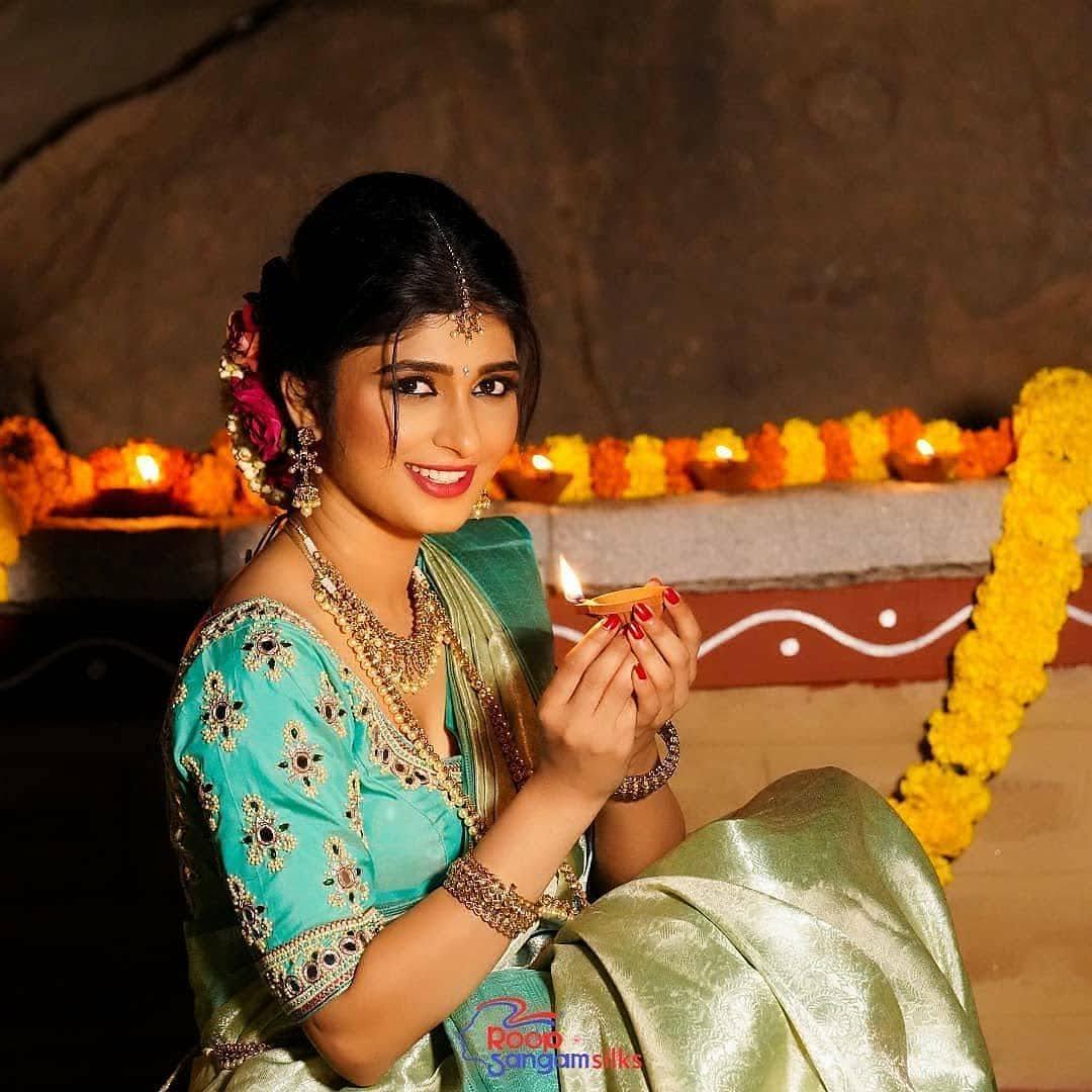 Aditi Prabhudeva 8