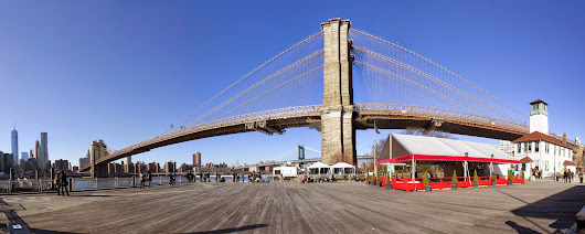 Panoramic: Brooklyn Bridge.