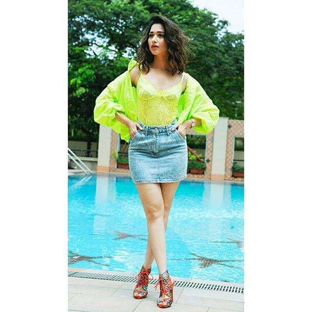 Tamannaah Bhatia Hot & Sexy Pics