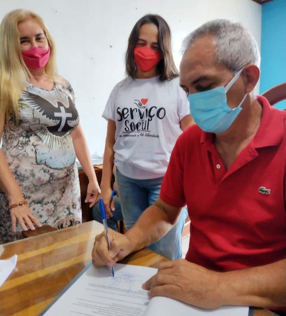 Prefeito de Óbidos, Jaime Silva assina adesão ao programa Selo Unicef