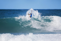 4 Michel Bourez Billabong Pipe Masters foto WSL Tony Heff