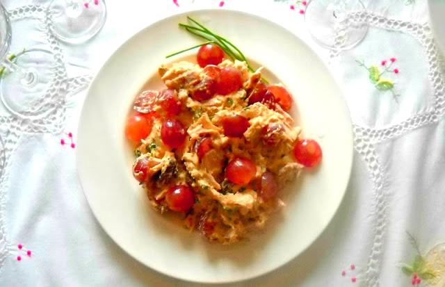 Insalata di pollo con senape ed uva