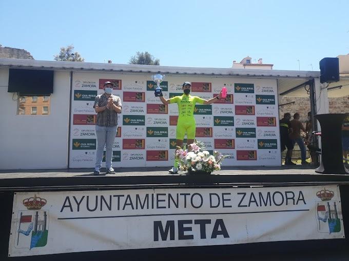 Miguel Ángel Fernández triunfó en Zamora