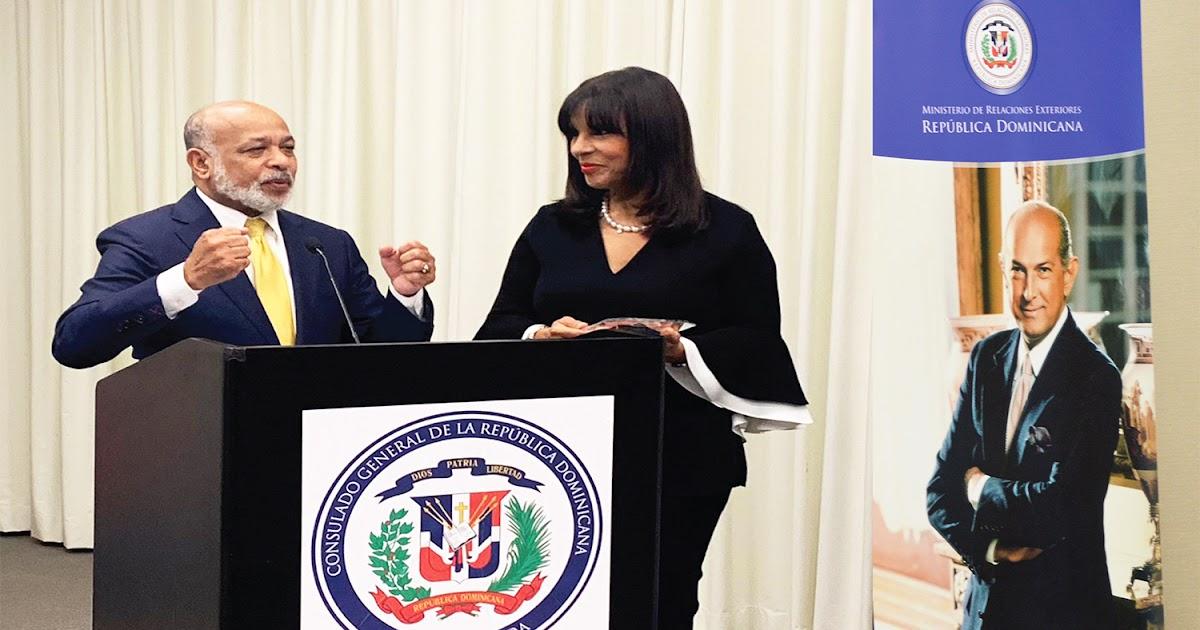 """VER IMÁGENES, EN MIAMI: Consulado General de la República Dominicana en Miami celebra en Miami acto de promoción al """"Premio Internacional al Emigrante Dominicano Sr. Oscar de la Renta"""""""