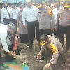 Kapolres Takalar Lakukan Pengecekan Ketahanan Pangan Dan Peletakan Batu Pertama Pembangunan Masjid