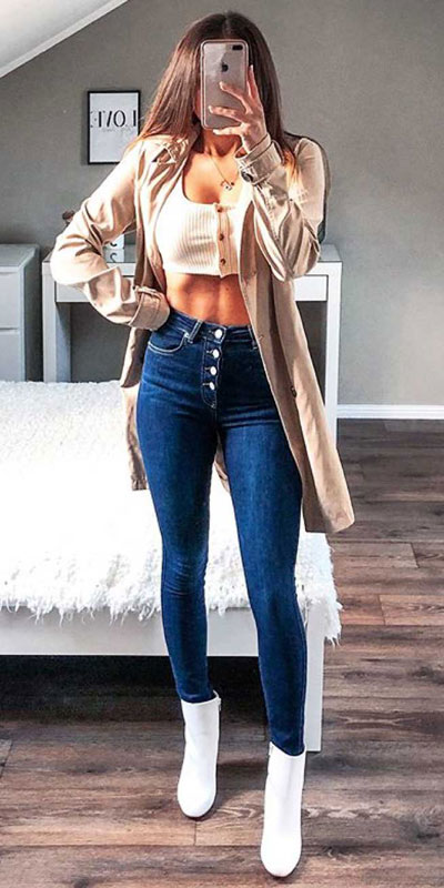 Comfy and casual style is perfect choice for summer season. It's time to share 26 Casual Summer Outfit Ideas You need this moment. Casual Outifts + Summer Style via higiggle.com   crop top + skinny jeans   #summeroutfits #casualoutfits #summer #jeans