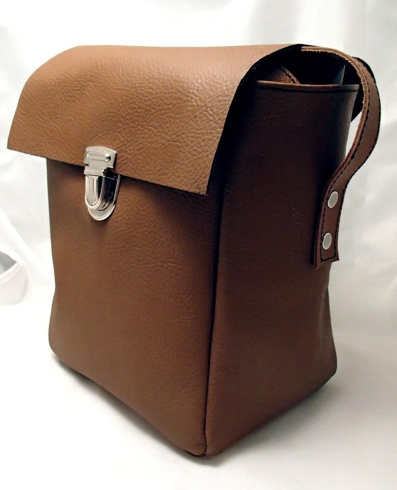 Vue de coté de la sacoche pour appareil photo reflex