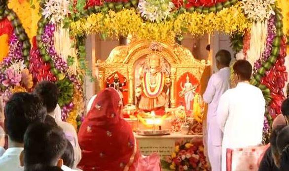 नवरात्र पर मंदिरों में उमड़ी श्रद्वालुओं की भीड़ - newsonfloor.com