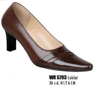 Sepatu kulit motif kulit kayu buat kerja di kantor untuk wanita model  pantofel warna Coklat tinggi hak 6 cm ukuran dari 36 sd 40...silahkan di  order b09b5d7179