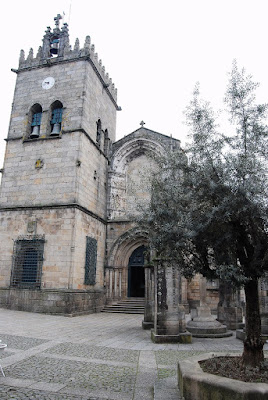 façade de l'église ND de Oliveira  Guimaraes