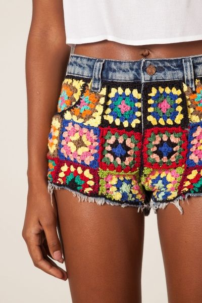 short jeans customizado croche farm