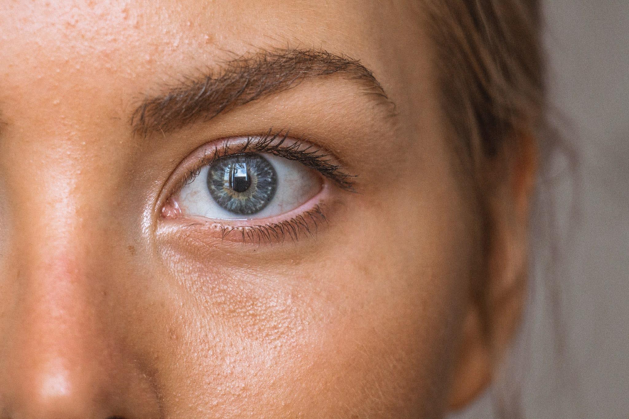 كيف افرق بين حساسية العين او عدوى