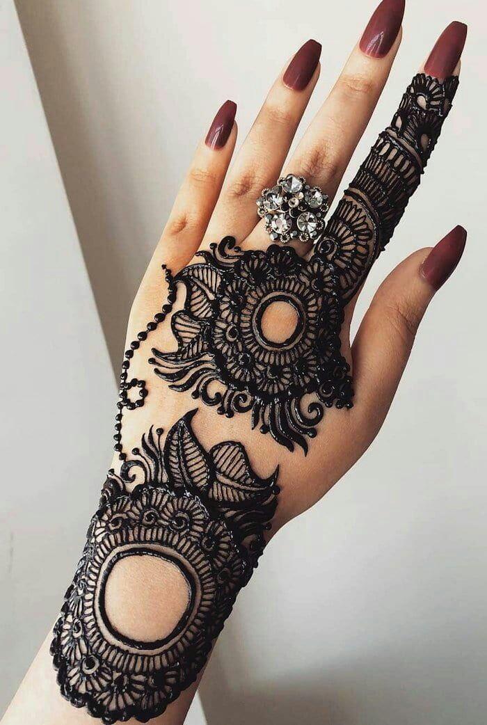 modern back hand mehndi design full hand