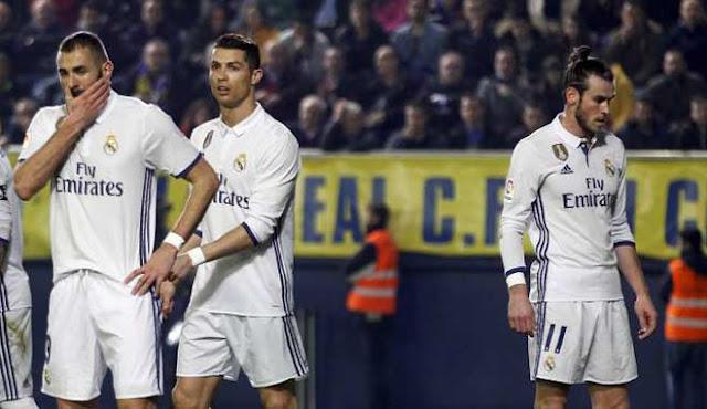 """Real nhận """"tối hậu thư"""": Thua PSG, Ronaldo & 9 SAO cùng """"ra đường"""" 2"""