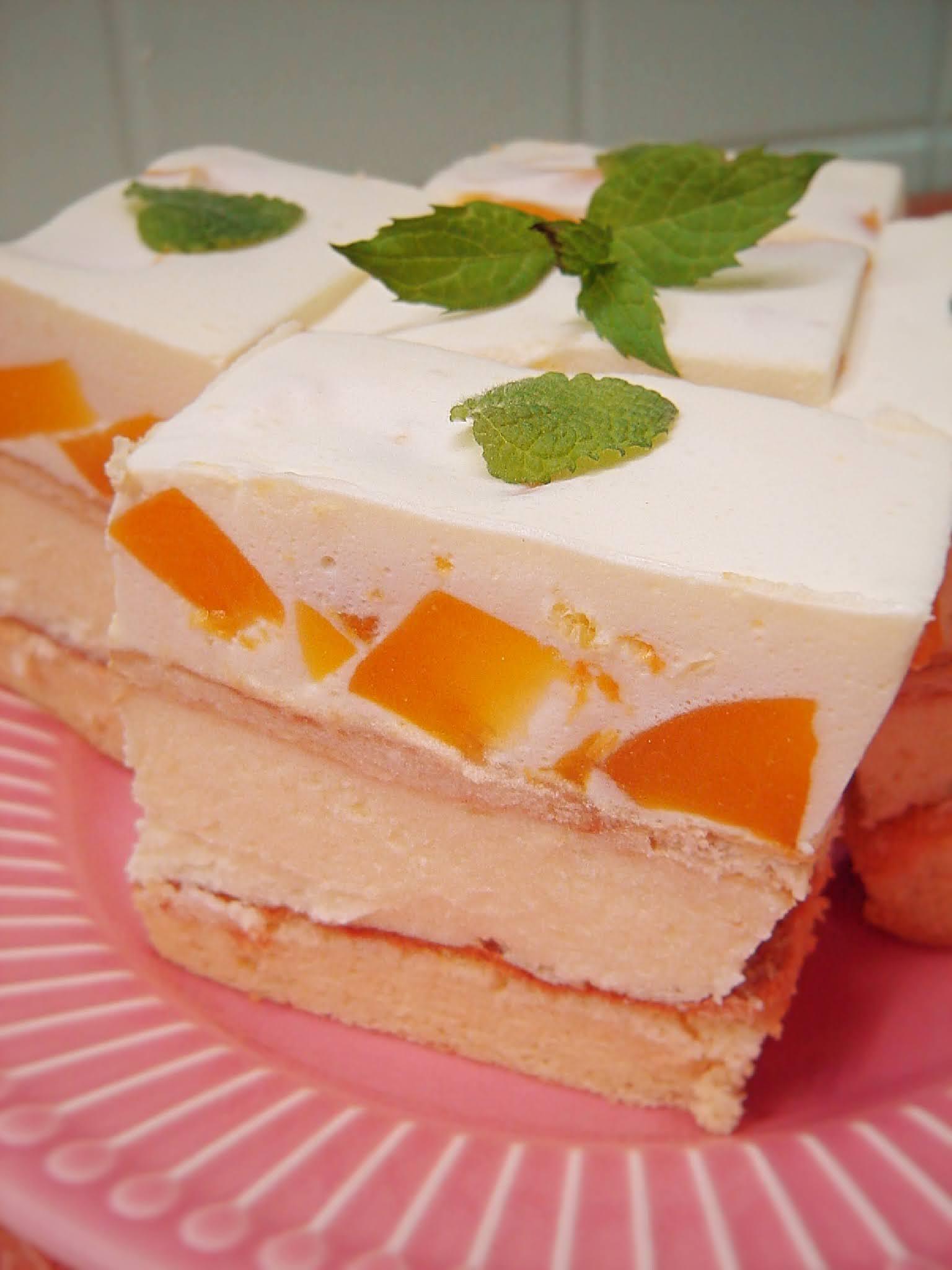 Ciasto cytrynowe z brzoskwiniami