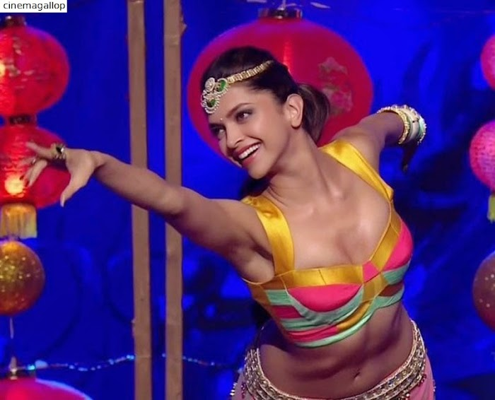 Deepika Padukone Hottest Dance moves-Sexy Screenshot from her Hottest song