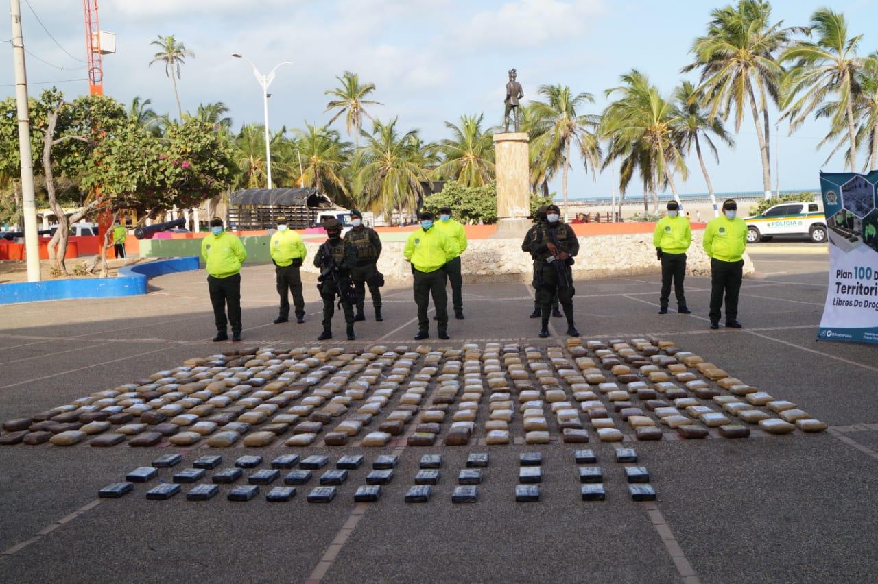 https://www.notasrosas.com/Departamento de Policía Guajira socializó Plan Choque '100 Días Contra El Microtráfico'