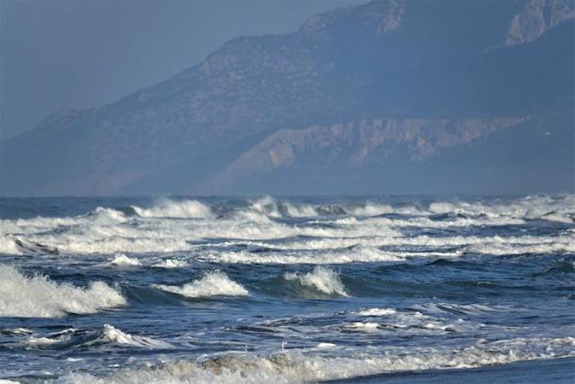 Φουρτούνες στην Μεσόγειο: Οι γρίφοι με Κάιρο και Λευκωσία