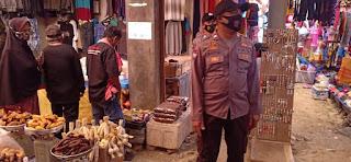 Laksanakan Operasi Yustisi, Polsek Alla Sasar Pasar Himbau Warga Patuhi Prokes 5M