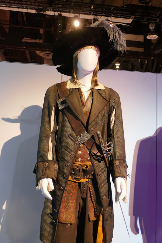 Geoffrey Rush Pirates of Caribbean Barbossa costume