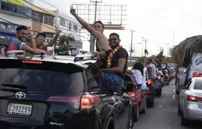 Desfile de la comunidad  LGBTI  culmina con gran éxito