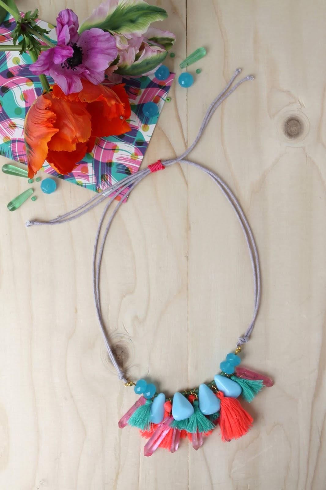 DIY – Colourful tassel necklace