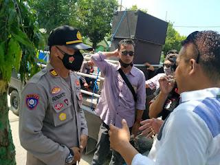 Lembaga KPK Nusantara Sampaikan Aspirasi Di Depan Kantor DPRD Sumenep