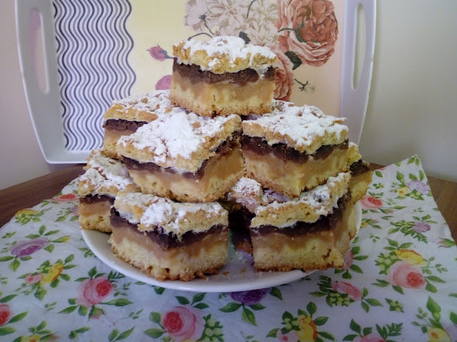 plesniak z jablkami kruche ciasto z jablkami szarlotka na kruchym ciescie kakaowe ciasto kruche jablecznik ciasto z jablkami