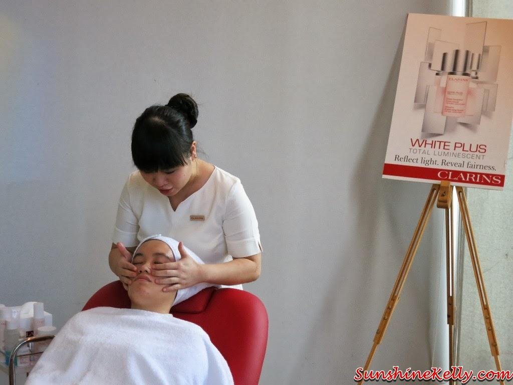 Whitening Facial Treatment, Clarins Whitening Luminescence Restorer Treatment