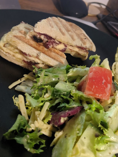 40+ lunch ideas for kids at home  - panini and salad