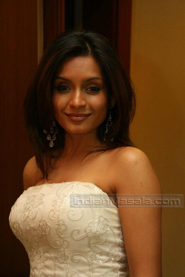 Indian Actress Bhavana Pani Hot Boobs Side View Hot  Sexy-2393