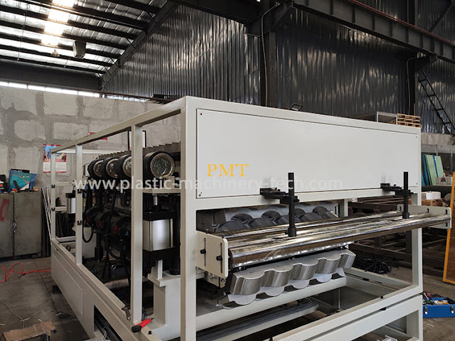 forming machine for synthetic resin tile