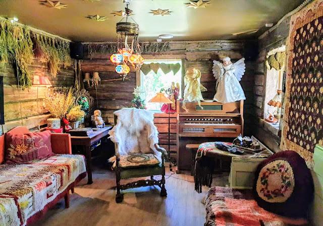 Tietäjän talo shaman's House elveshideaway Tonttula levi