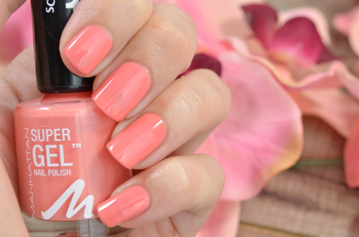 Manhattan Super Gel Nail Polish Coral Island
