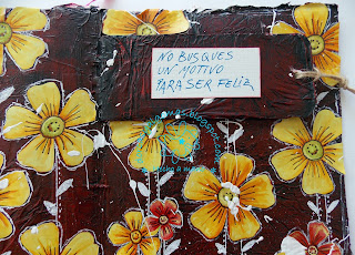 http://dorcasyalgomas.blogspot.com.es/2016/02/art-journal-no-busques-un-motivo.html