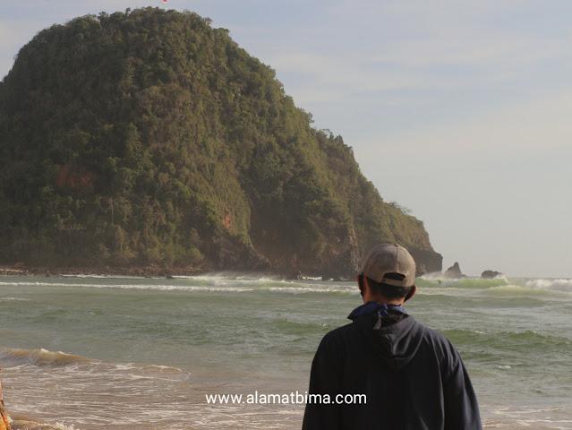 Lokasi Pantai Pulau Merah